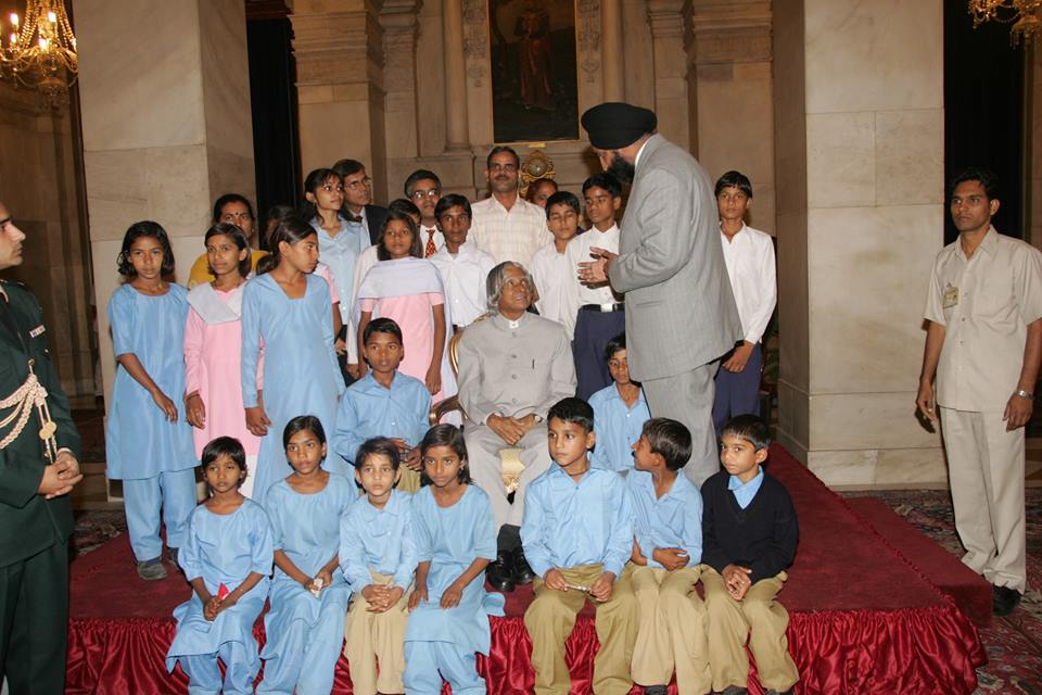 Dr Kalam met our children at his home, the President House